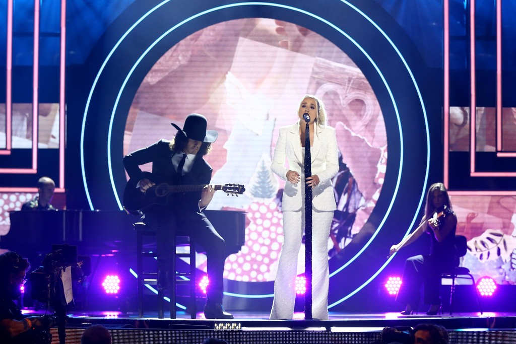 """2021 CMT ARTISTS OF THE YEAR HONOREE GABBY BARRETT PERFORMING """"THE GOOD ONES"""" LIVE WITH HUSBAND CADE FOEHNER ON GUITAR"""