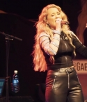GABBY BARRETT - I HOPE LIVE VIDEO
